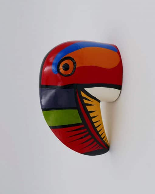 Wood wall decoration: A toucan head that looks so nice in kids bedrooms