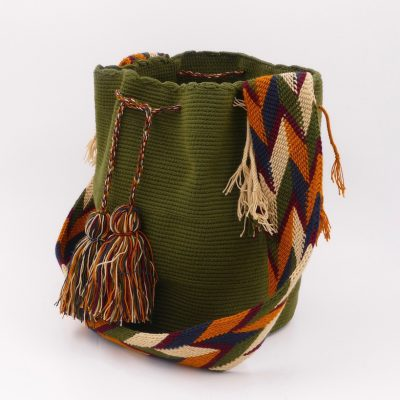 Kaki green Colombian Wayuu crochet bag