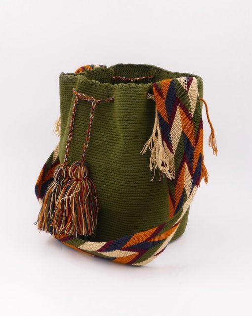 Kaki green Colombian Wayuu crochet bag