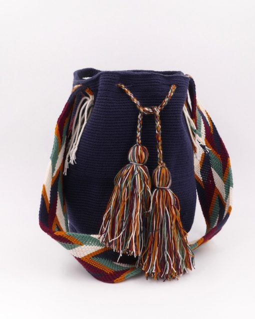 Plain dark blue mochila Wayuu