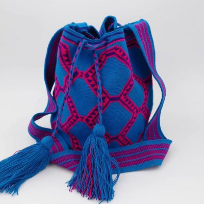 A Wayuu bag perfect to take everything you will need for the day