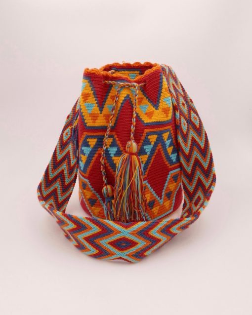 Wayuu mochila bag, ideal to take all the necessary for your day out