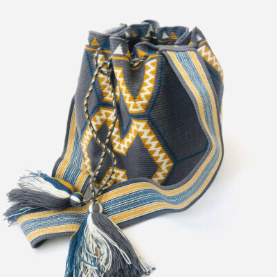 Handmade shoulder wayuu bag