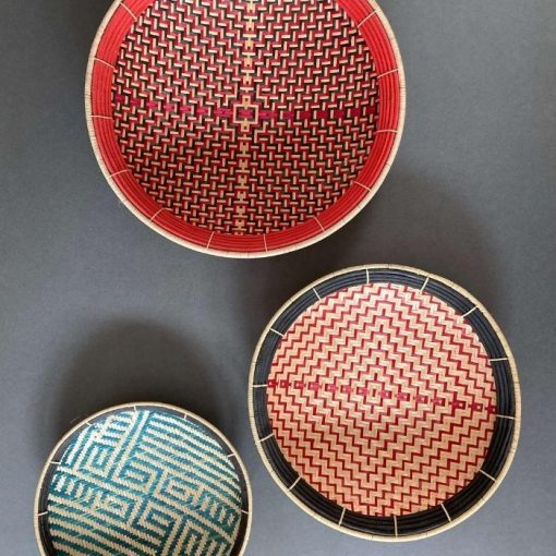 Balays are round plates handmade in Colombia using ancestral know-how