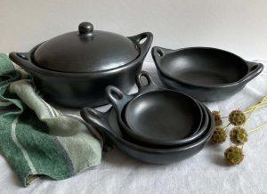 vaisselle ethnique poterie noire