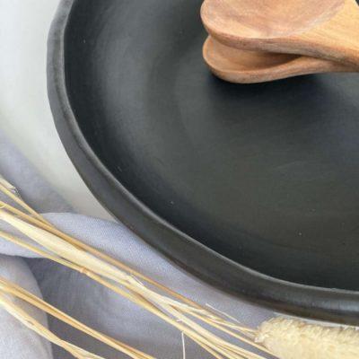 Serving plate black