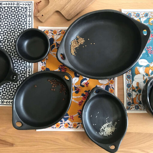 Black cookware serve ware Colombia