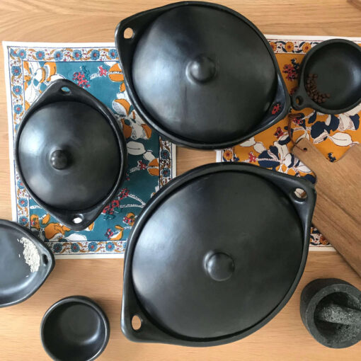 Black Clay Colombian cooking pot